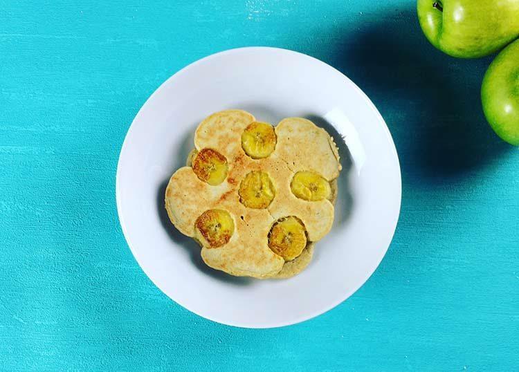 Receta de Pancakes de Avena y Fruta